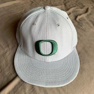 Nike Oregon Ducks Fitted Hat 7 3/8